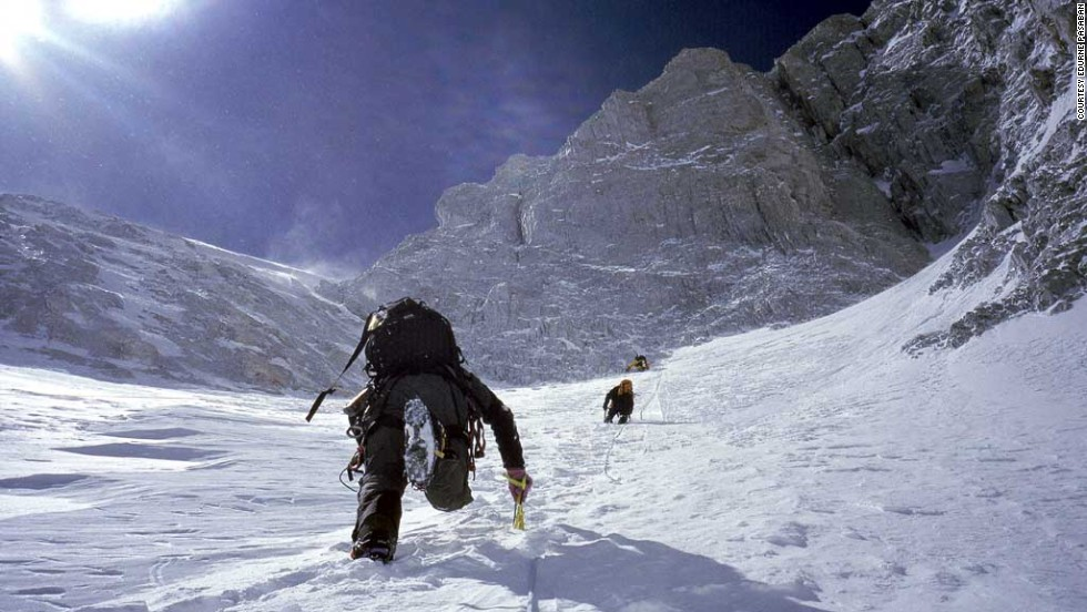 South Korean climber Oh Eun-Sun beat Pasaban to completing the 14 peaks by 3 weeks in 2010.<br /><br />However, fellow climbers began to question whether Oh had in fact reached the summit of Kanchenjunga, one of the mountains, the previous year.<br /><br />After an investigation by the Korean Alpine Federation in August 2010, it was concluded Oh had not completed the ascent, and Pasaban was generally considered to be the first woman to complete the 14 peaks.