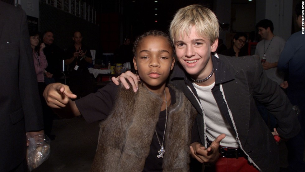 Teen idols Lil' Bow Wow and Aaron Carter posed after the 2000 Billboard Music Awards