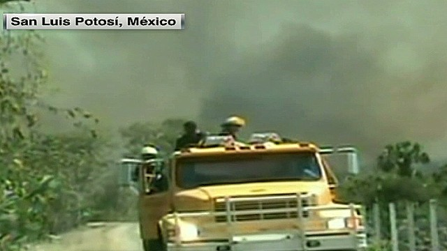 cnnee badillo mexico forest fires tuesday_00004312.jpg