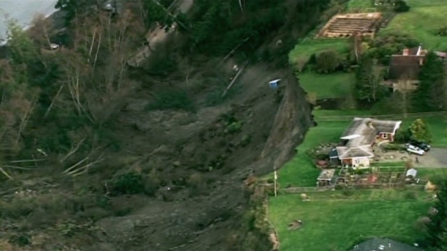 Landslide 'sounded like an earthquake'