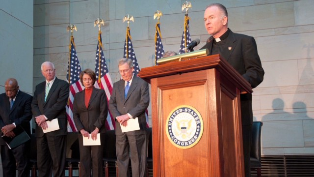 exp sotu.meet.the.chaplains.house.senate.black.conroy_00005718.jpg