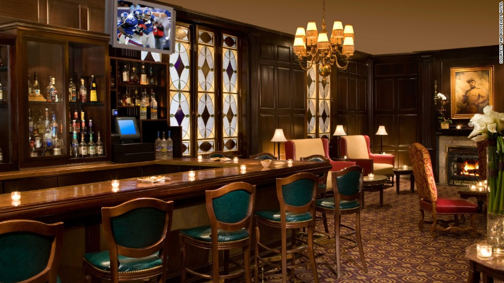 "The Roosevelt Hotel's Madison Club Lounge is hosting viewing parties all season for ""Mad Men"" fans."