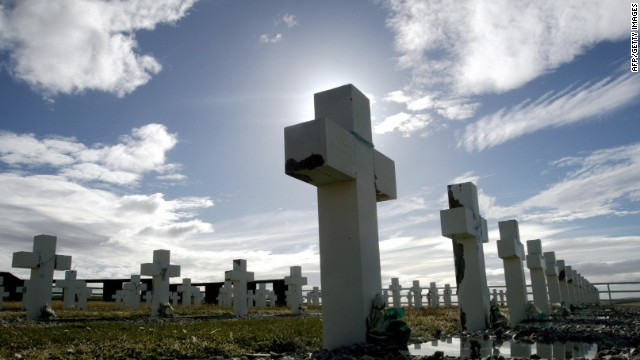 Argentine war cemetery near Darwin, Falklands, 22 March 2007.