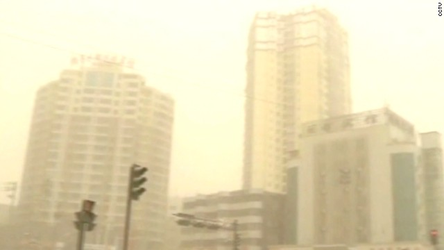 Sandstorm blurs Chinese city's skyline