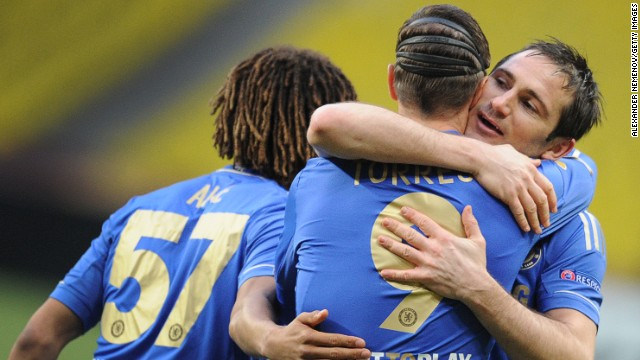 Fernando Torres is congratulated by Frank Lampard after his opening goal set Chelsea on their way to a second straight European semi
