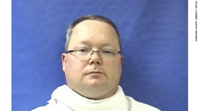 "Eric Williams, former Kaufman County, Texas, justice of the peace was  charged with two counts of insufficient bond and one count of making a ""terroristic threat."""