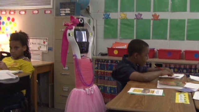 Robot helps 3rd grader learn from home