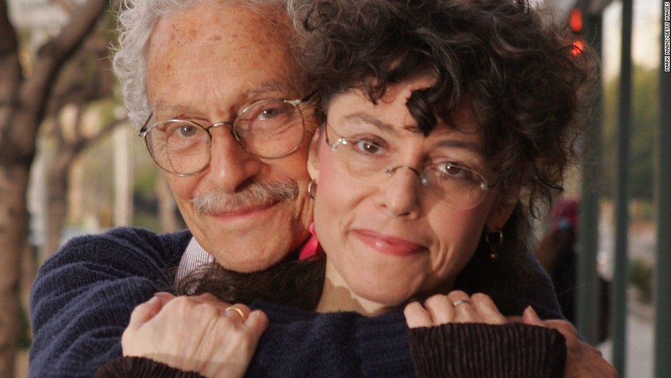 "<a href=""http://www.cnn.com/2013/04/23/showbiz/allan-arbus-obituary/index.html"">Actor Allan Arbus</a> poses for a portrait with his daughter photographer Amy Arbus in 2007. Allan Arbus, who played psychiatrist Maj. Sidney Freedman in the M*A*S*H television series, died at age 95, his daughter's representative said April 23."