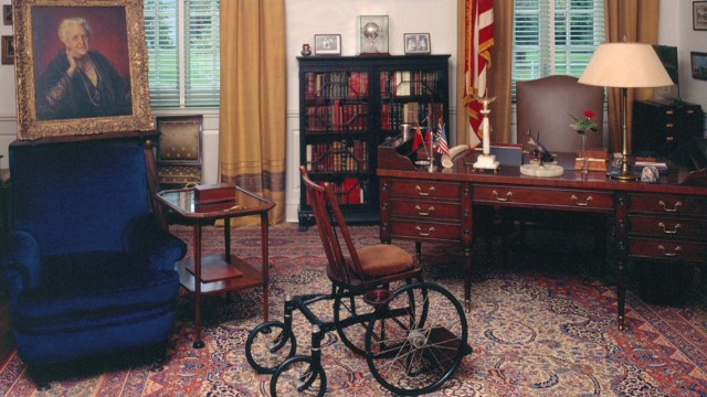 CNN Explains: Presidential libraries