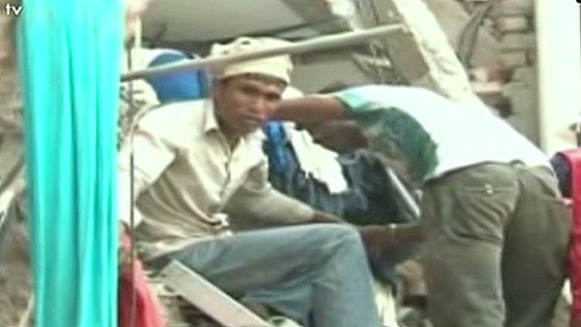 Death toll rises in building collapse