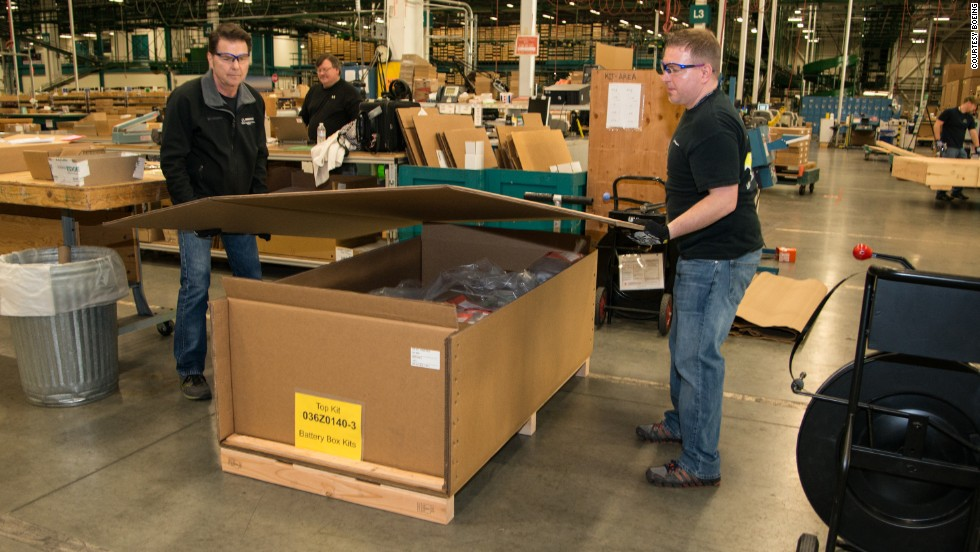 "Once the fix was approved by the FAA, Boeing began to prepare then ship the battery containment kit for shipping to its 787 customers. ""The parts easily go into a lower cargo hold but the tools and logistics to do the work probably are more suitable for a freighter,"" managing director of AOG James Testin says. ""The equipment weighs close to 28,000 to 30,000 lbs (12.7 to 13.6 tons)."""