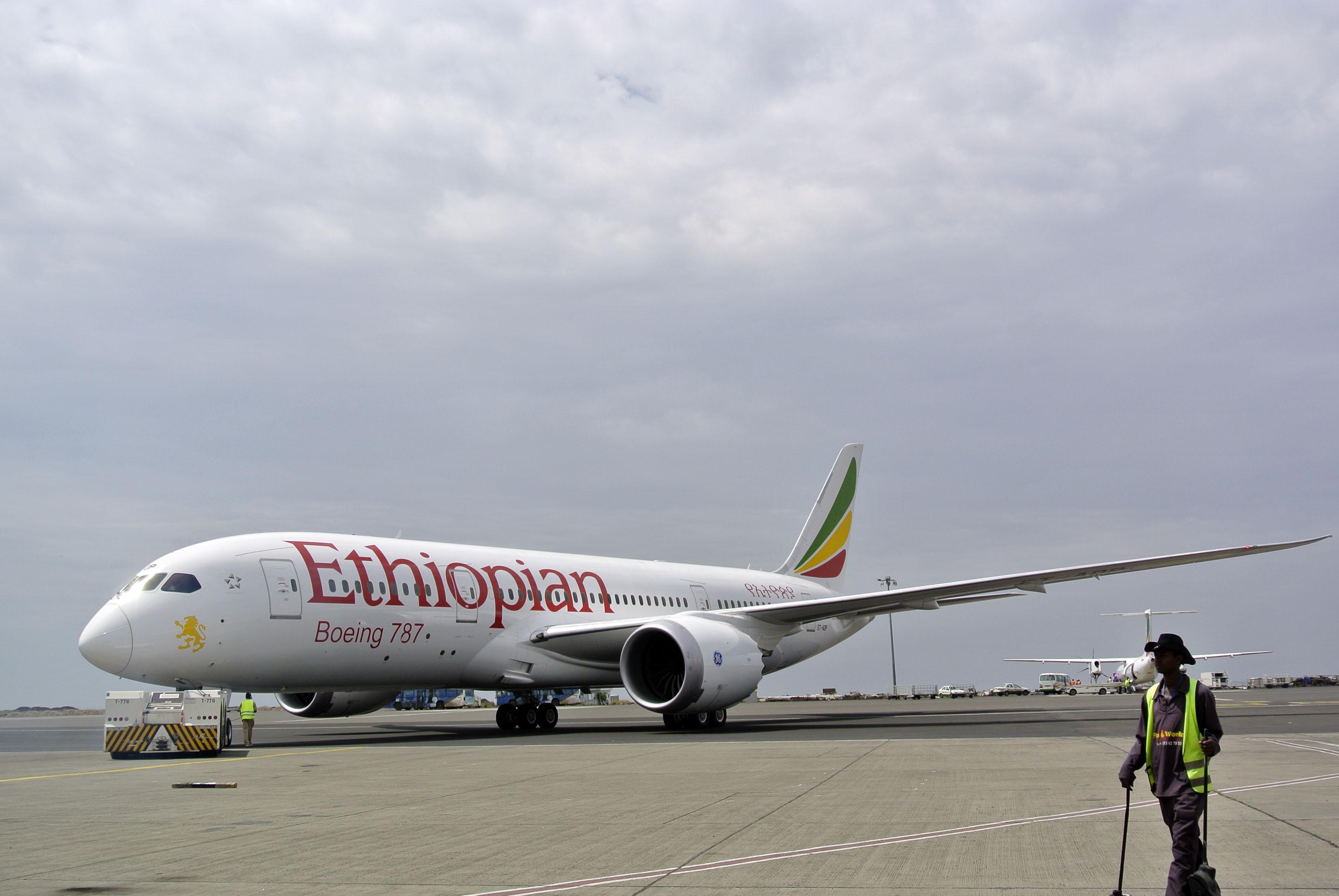 Stretched Boeing        Dreamliner Makes Maiden Voyage
