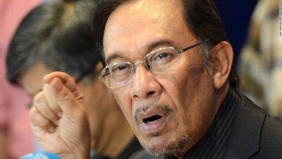 Malaysian court overturns Anwar Ibrahim's acquittal of sodomy charge