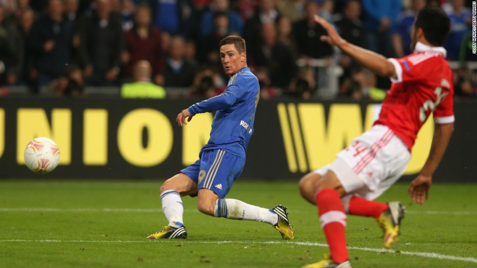 Despite being under the cosh for much of the game, it was Chelsea which broke the deadlock on 59 minutes when Fernando Torres raced clear to fire home in style.