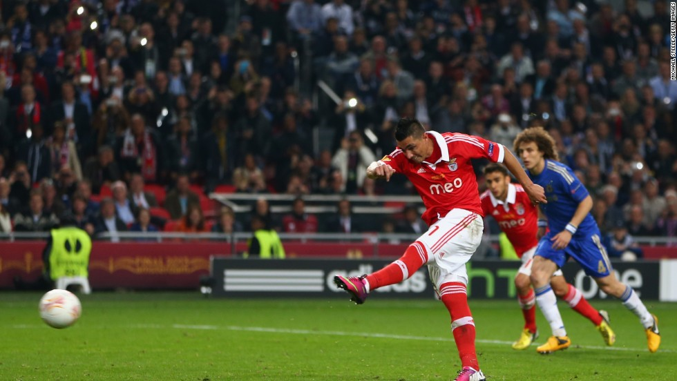 Benfica hit back with 22 minutes remaining when Cardozo netted from the penalty spot after Cesar Azpilicueta had handled inside the penalty area.
