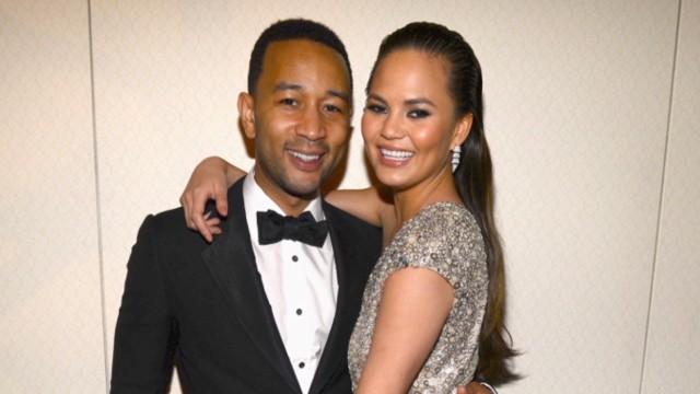 John Legend Marries Swimsuit Model Chrissy Teigen