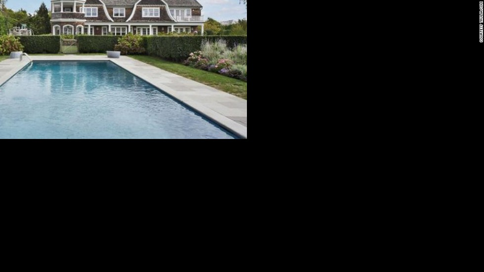 "This<a href=""http://luxe.truliablog.com/2013/05/14/jennifer-lopez-buys-10-million-mansion-in-the-hamptons/"" target=""_blank""> mansion with pool in the Hamptons</a> set Jennifer Lopez back a cool $10 million."