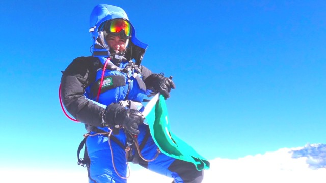 First Saudi woman climbs Mount Everest