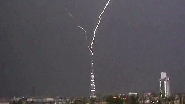 VO lightning strikes tv tower_00002924.jpg