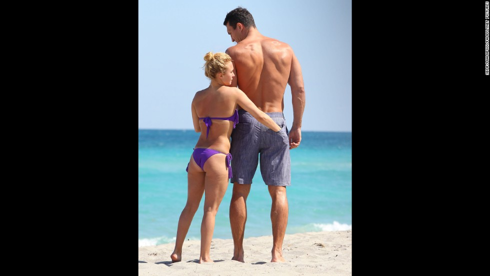 """Nashville"" actress Hayden Panettiere and<a href=""http://www.eonline.com/news/420606/hayden-panettiere-engaged-no-ring-she-says"" target=""_blank""> her rumored fiance</a>, Wladimir Klitschko, enjoyed some time together on the beach with friends in Hollywood, Florida, in March 2013."