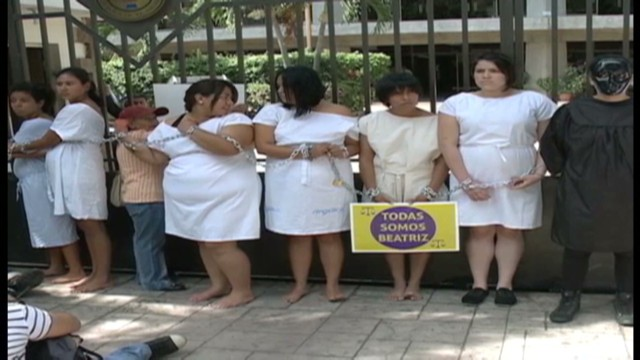 cnnee delcid el salvador abortion right_00005010.jpg