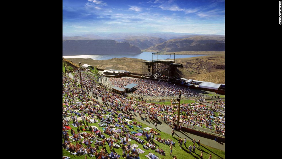 8 Amazing Outdoor Music Venues