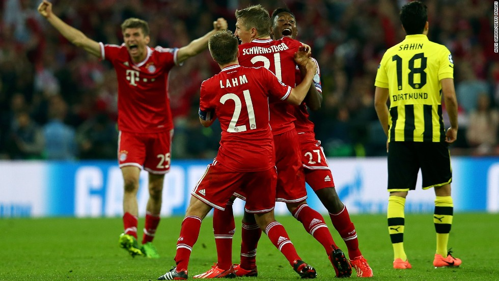 Bayern players celebrate after match play was completed.