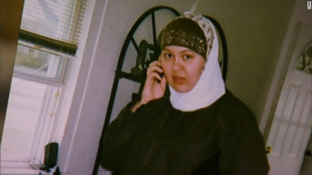 Nicole Mansfield converted to Islam years ago and wanted to go to Syria. Family says Mansfield is the dead woman in images from Syria; U.S. hasn't confirmed.