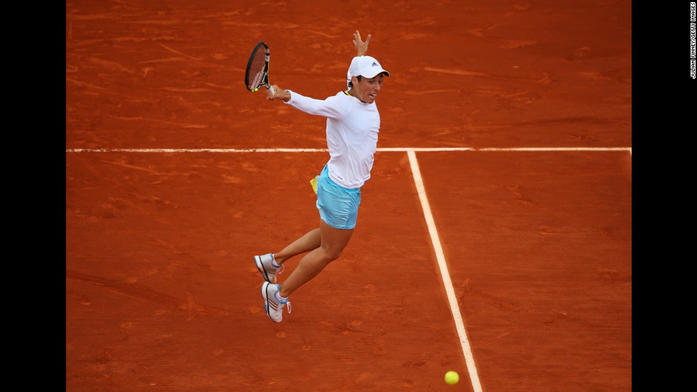 Francesca Schiavone of Italy plays a backhand against Marion Bartoli of France on June 1. Schiavone won 6-2, 6-1.