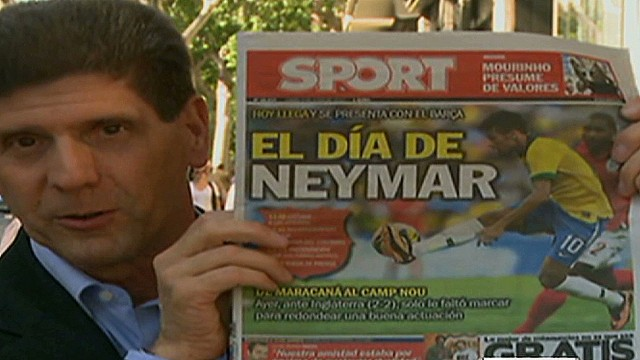cnnee goodman spain neymar and barza_00013104.jpg