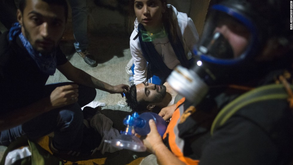 A medical team tends to a protester. The Turkish Medical Association claimed that at least 3,195 people had been injured in clashes on June 1 and June 2. Only 26 of them were in serious or critical condition, it said.