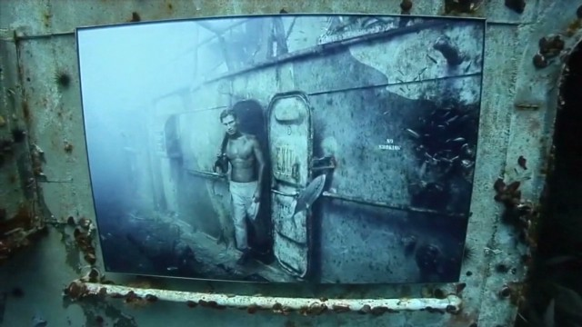 Unusual display in underwater shipwreck