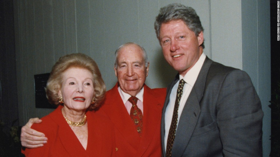 President Bill Clinton with Walter and Leonore Annenberg in 1995.