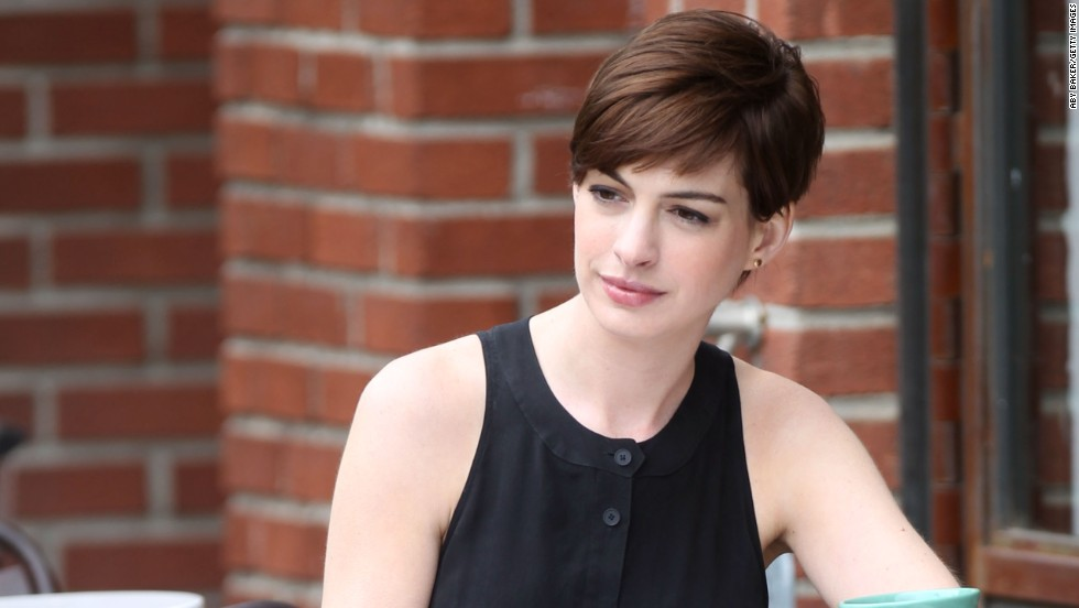 Anne Hathaway films a movie in Brooklyn on June 6.