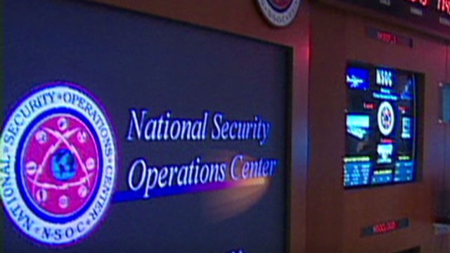 Intel expert: NSA leak puts U.S. at risk
