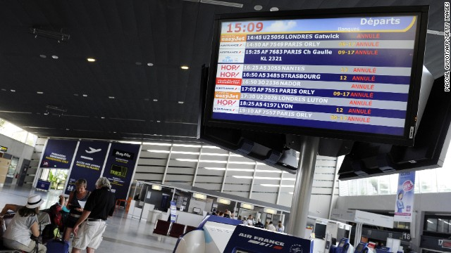 A screen announces canceled flights on June 11, 2013 at Montpellier's airport as air traffic controllers kick off a three-day strike.