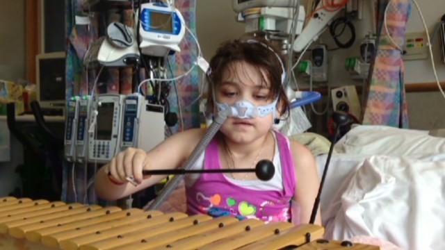 Adult lungs given to 10-year-old girl