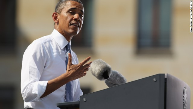 Obama speaks at Brandenburg Gate