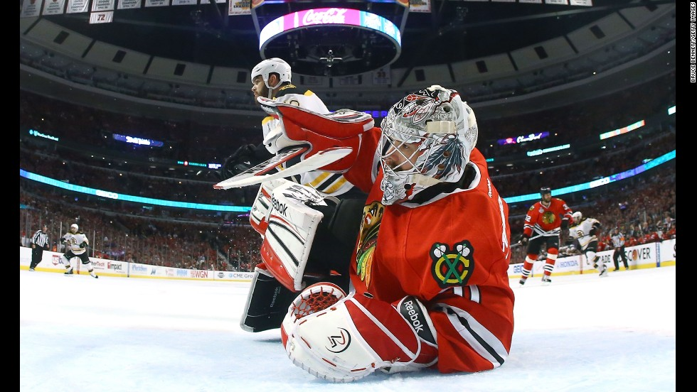 Corey Crawford of the Blackhawks tends goal in the first period.