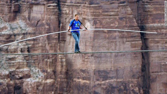 Wallenda did the high-wire walk without the aid of a safety tether. All he used was a balancing pole.