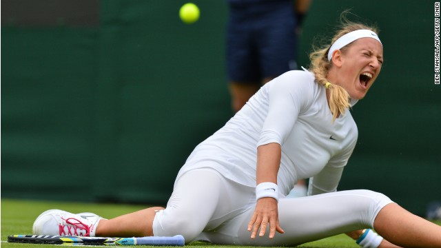 Victoria Azarenka withdrew just  minutes before she was due on Centre Court to face Italy's Flavia  Pennetta Wednesday.