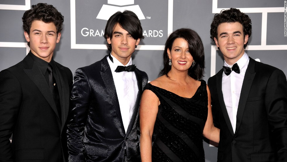 married to jonas meet the family