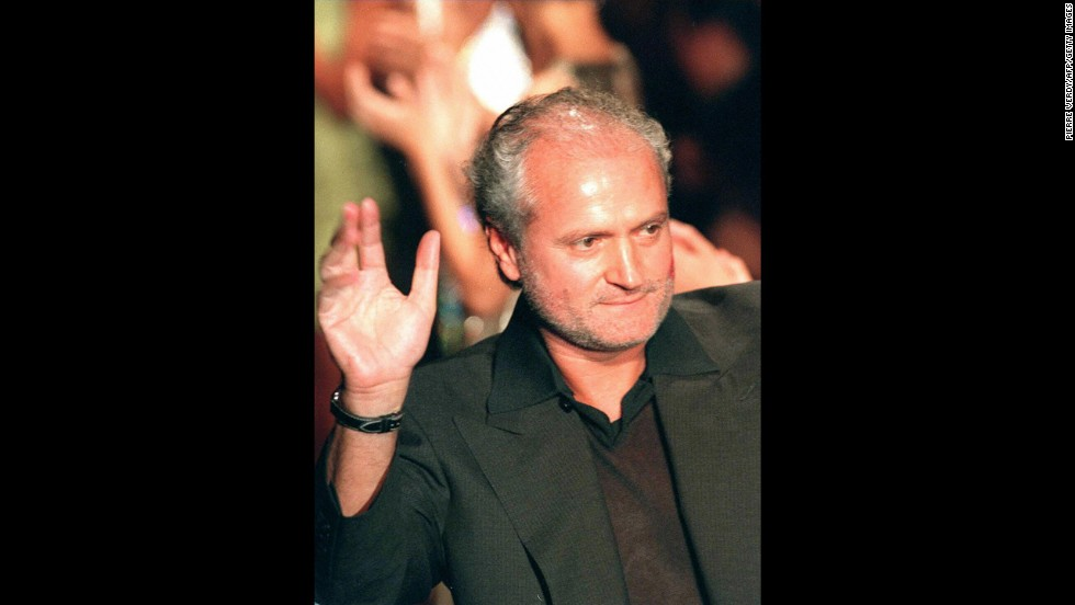 "Fashion designer Gianni Versace was fatally shot on the steps of his Miami Beach, Florida, mansion on July 15, 1997. <a href=""http://www.cnn.com/US/9712/30/versace.presser/index.html?iref=allsearch"" target=""_blank"">Police believe a 27-year-old named Andrew Cunanan killed</a> the 50-year-old head of the renowned fashion empire, although they couldn't uncover a motive. Cunanan took his own life on a nearby houseboat a week after Versace's death."