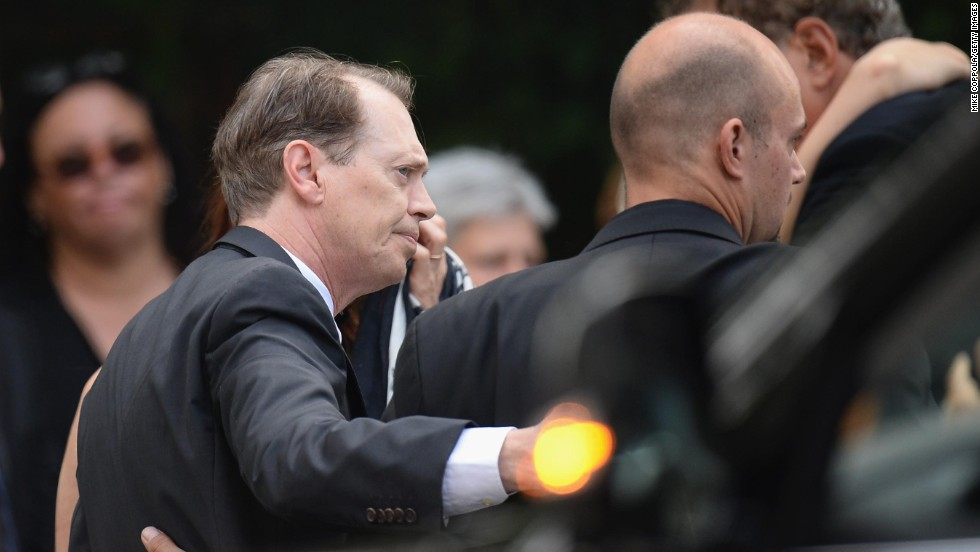 "Steve Buscemi, who was on the cast of ""The Sopranos,"" arrives at the funeral."