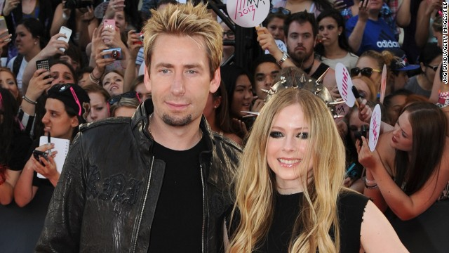 Avril Lavigne says husband Chad Kroeger used tour breaks to care for her.