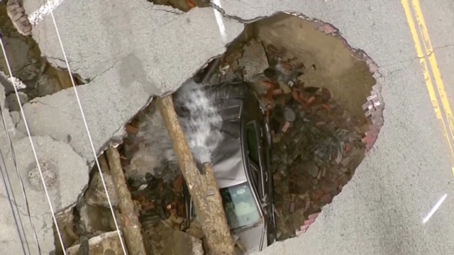 OH woman rescued from sinkhole_00002722.jpg