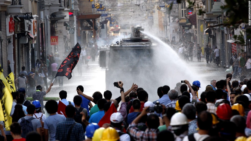 Police barricade Istanbul's square after demonstrators call for gathering