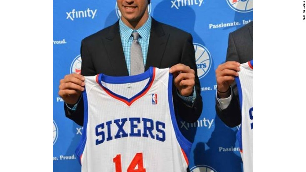 Kazemi was eventually traded Philadelphia 76ers, where he will wear the number 14 vest.