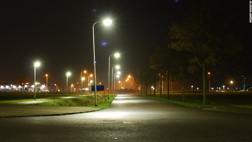 The plug-and-play sensor, integral to the Tvilight lighting network, sends wireless signals to neighboring lights when people are detected. It can be fitted in both conventional and new LED lights and is a major step towards more sustainable roads.