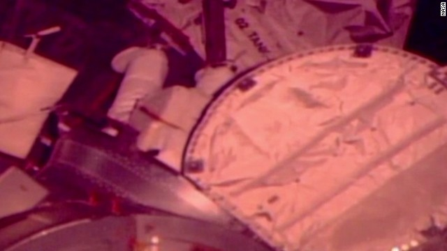 vo iss spacewalk canceled_00010525.jpg